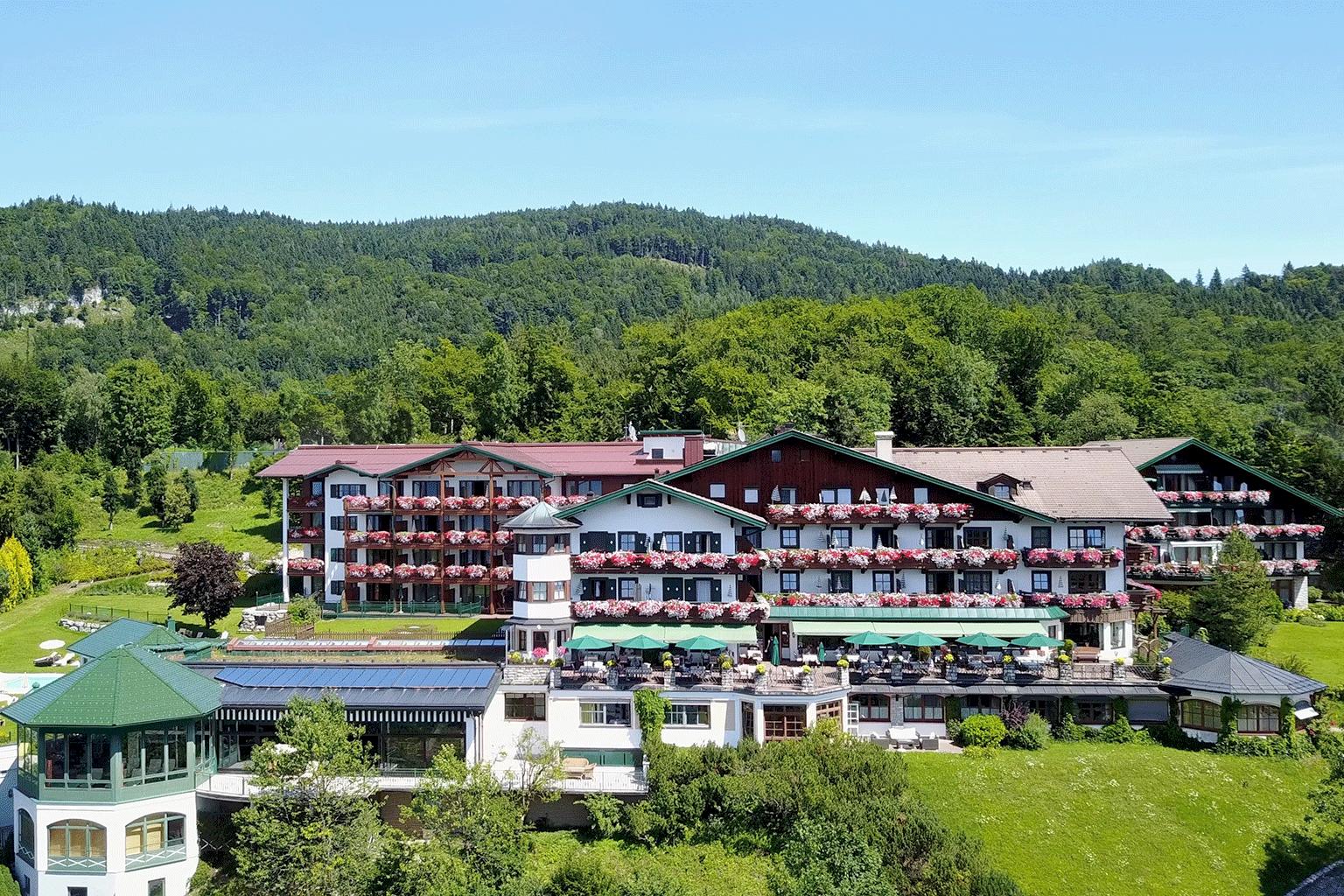 Vollererhof_Ansicht_Sommer2020